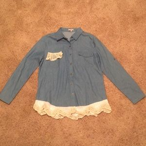 NWOT Jodifl (Boutique) Chambray Button Down